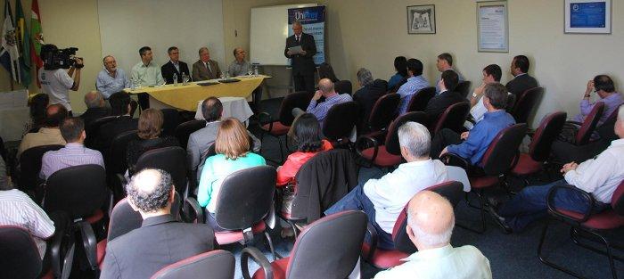 conselheiros-tomam posse-na-PREVUNISUL-2012